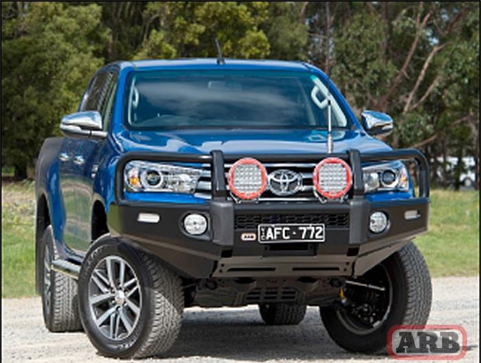 Бампер ARB Summit Bar на Toyota Hilux 2015